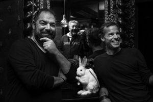 Alajmo, Lanher et Starck dans le Caffè Stern, IIe. (Crédit: Fausto Mazza)