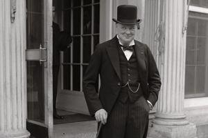 Un portrait de 1929. Churchill vient de perdre son poste ministériel . Il reviendra au pouvoir en 1939.