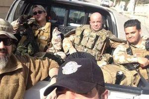 Tim Locks en patrouille avec la milice Dwekh Nawsha