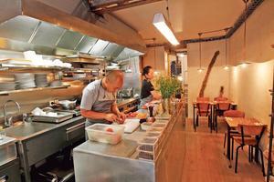 Le figaro abri paris 75010 cuisine fran aise for Restaurant abri paris