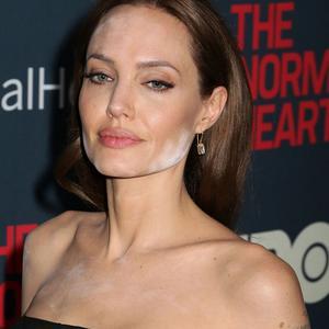 Les maquillages ratés des stars : Angelina Jolie