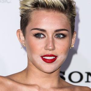 Les maquillages ratés des stars : Miley Cyrus