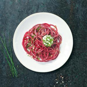 Spaghettis à la betterave et ses boulettes de chèvre