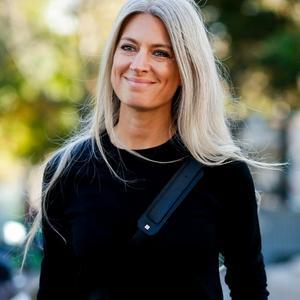 Femme celebre cheveux gris