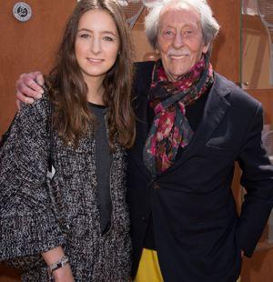 Après les chevaux, le tennis: Rochefort avec sa fille Clémence à Roland-Garros il y a quelques mois.