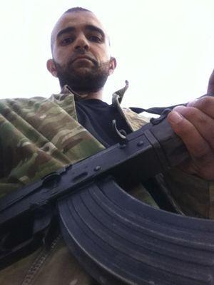 Mohommod Hassin Nawaz pose en Syrie, sur l'une des photos saisies dans son téléphone portable.