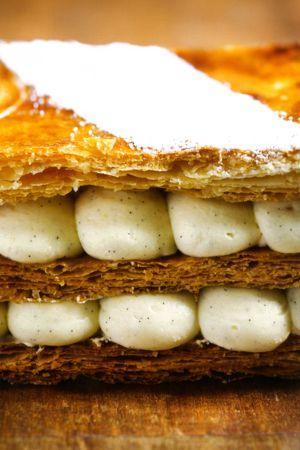 Mille-feuille vanille extraits du livre <i>Les desserts de Bernard</i> (Amélie Roche)