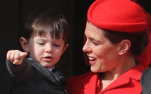 Le fils de Charlotte Casiraghi et Gad Elmaleh, Raphaël, fait sa première apparition publique