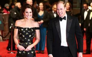 Kate Middleton risque les épaules dénudées aux Bafta Awards