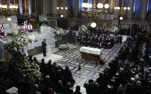 EN DIRECT - Johnny Hallyday : l'hommage à Paris est terminé, les obsèques auront lieu lundi