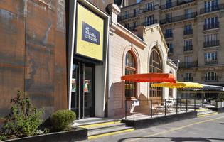 L'ancienne gare de l'avenue de Saint-Ouen (XVIIIe) se transforme en unlieu culturel hybride et festif: le Hasard Ludique.