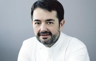 Le chef Jean-François Piège, deux étoiles au Guide Michelin pour le Grand Restaurant (Paris VIIIe).
