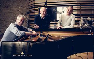 Laurent de Wilde (à gauche) et son New Monk Trio seront en concert le 31 mai à la Maison des Océans (Paris VIe).