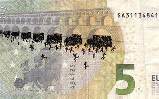 L'artiste grec a réalisé plus de cent dessins sur des billets d'euros.