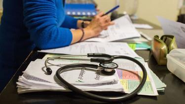 Les stéthoscopes plus sales que les mains des médecins