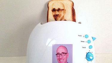 Ce grille-pain insolite «imprime» votre selfie sur les tartines