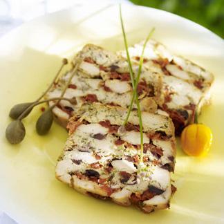 Terrine de poulet aux olives