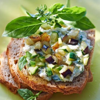 Tartines aux légumes méditerranéens