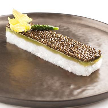 Tartare de langoustine au caviar et concombre