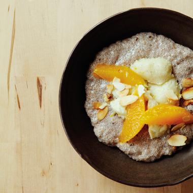 Porridge de chia et semoule, aux agrumes et au gingembre