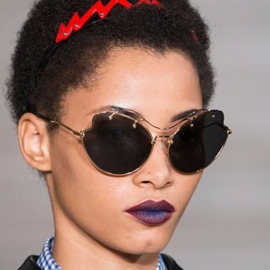 Cheveux Crepus Frises Ou Lisses 21 Idees De Coiffure Dont S