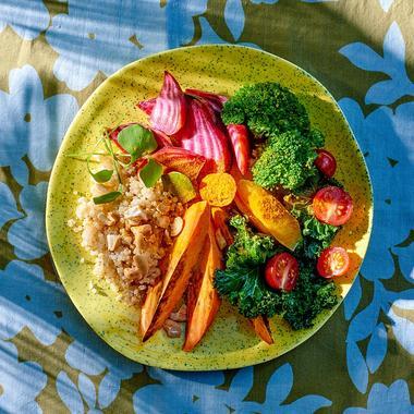 Buddha bowl de légumes de saison bio