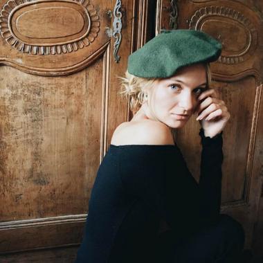 Différentes manières de porter le béret repérées sur Instagram - Version frenchie