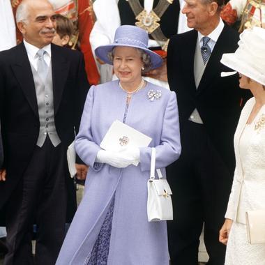 Les tenues de mariage de la reine d\u0027Angleterre Elizabeth II , 1995
