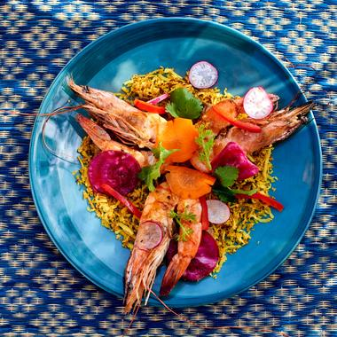Crevettes tigrées grillées à l'huile de piment et chutney de coco
