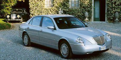 La Lancia Thesis se signalait par des lignes baroques.