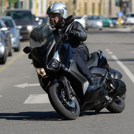 yamaha x max 400 un maxi scooter made in france. Black Bedroom Furniture Sets. Home Design Ideas