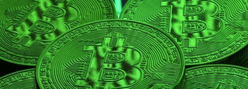 Le bitcoin fait ses premiers pas en Bourse avec succès
