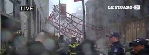 Une grue s'effondre à New York et tue une personne