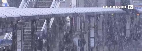 Il neige à Tokyo en novembre, une première en 50 ans