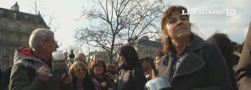 À Paris, des manifestants se rassemblent pour dénoncer la