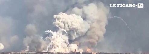 La spectaculaire explosion d'un dépôt d'armes en Ukraine