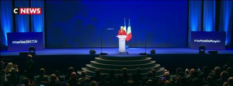Marine Le Pen poursuit sa lutte anti-Europe et anti-Macron