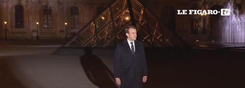 L'arrivée d'Emmanuel Macron au Louvre sur l'hymne européen