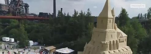Voici le château de sable le plus haut du monde
