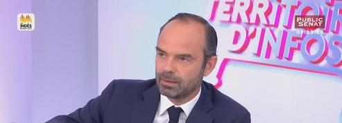 Edouard Philippe demande un peu «d'humilité» à François Hollande