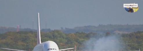 Allemagne : l'atterrissage impressionnant d'un avion lors de la tempête Xavier