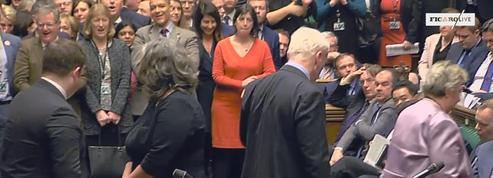 Theresa May perd de justesse un vote crucial au parlement