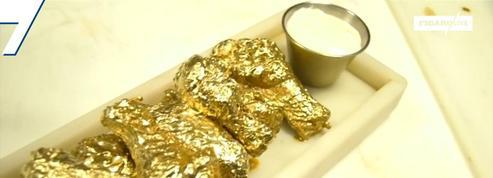 Un bar new-yorkais sert des «chicken wings» recouvertes de feuilles d'or