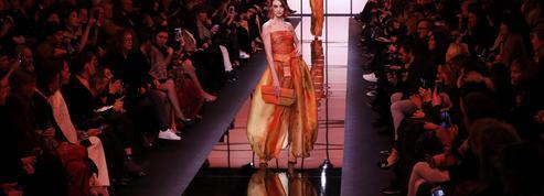 Les couleurs s'imposent avec force sur les défilés haute couture