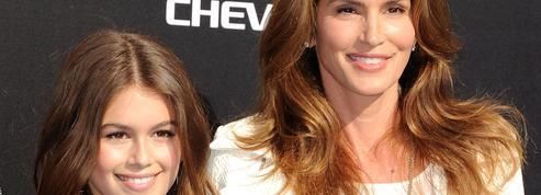 Kaia Gerber complexée par la beauté de sa mère Cindy Crawford