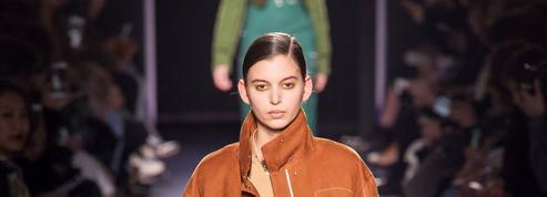Défilé Hermès automne-hiver 2017-2018 : les randonneuses de Nadège Vanhee-Cybulski