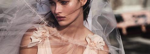 Topshop dévoile une ligne de robes de mariée à l'allure champêtre