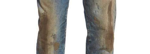 Le jean plein de boue à 390 euros qui choque le Web