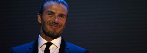 Un match de football avec David Beckham parmi les lots mis aux enchères à l'AmfAR