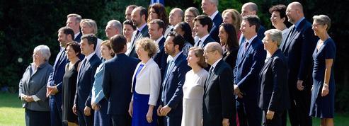 Gouvernement Philippe II : 15 femmes, 15 hommes, la parité stricte